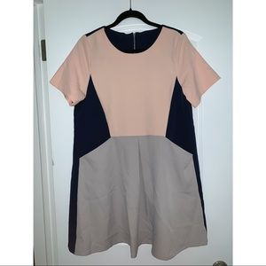 Dresses & Skirts - Flowy Color block Dress